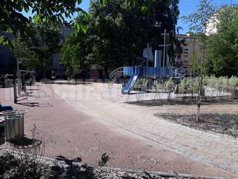 благоустройство дворовой территории на лермонтовском проспекте